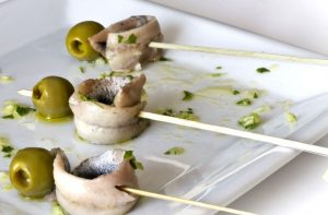 Spanish anchovies in vinegar tapa