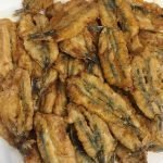 Boquerones fritos (fried anchovies)